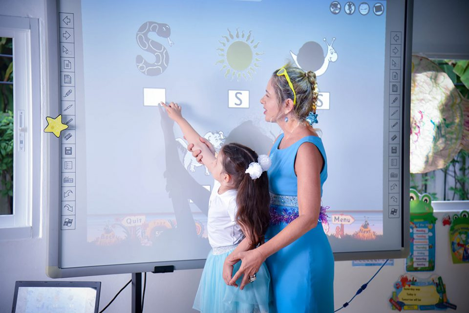 learning with an interactive white board at Bright Skies school Bangkok
